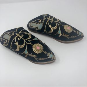 Women's Vintage Boho Velvet Embroidered Mules 6.5
